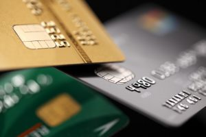 現金の方がクレジットカードより支出が少ない研究結果!実際どっちがいいのか