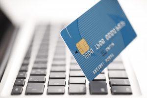 クレジットカードは国の調査で消極的なイメージばかり。実際はどうなの?