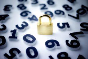 ネットでクレジットカードを使う時に、サイバー泥棒から身を守る方法