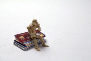 クレジットカードのリボ払いに要注意!毎月の決済の落とし穴