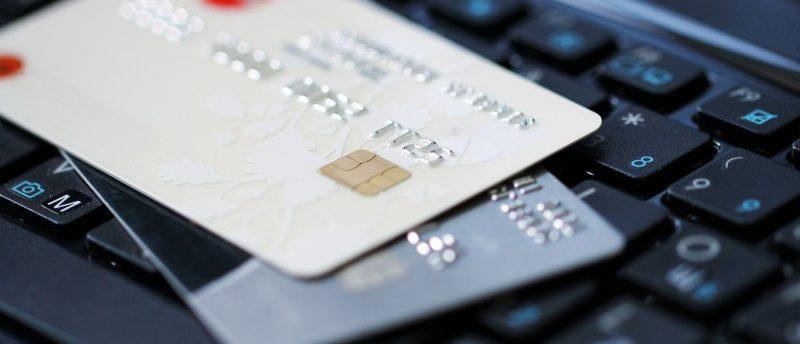 Androidユーザー要注意。クレジットカードや顔写真を狙うマルウェア