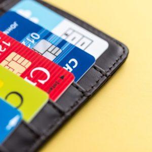 スマホケースにクレジットカードはOK?磁気が影響するって本当?