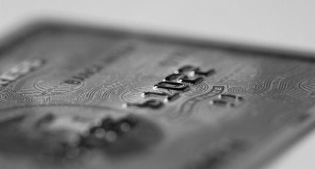 クレジットカードの最高ランク「ブラックカード」のメリット・特徴