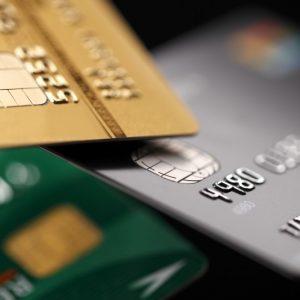 クレジットカード審査はカード更新時でも行われるのか?どんな場合に審査落ちする?